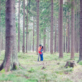 Love Jungle by Flo Yeow - People Couples ( love, flotographysg, jungle, trekking, czech, couple, aliandflo,  )