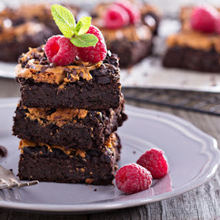 Slow Cooker Chocolate Peanut Butter Cake.