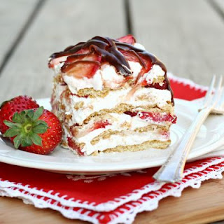 No Bake Strawberry Cream Cake