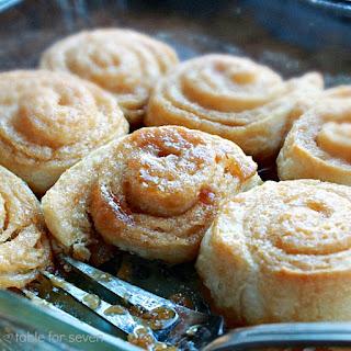 {Semi Homemade} Caramel Rolls.