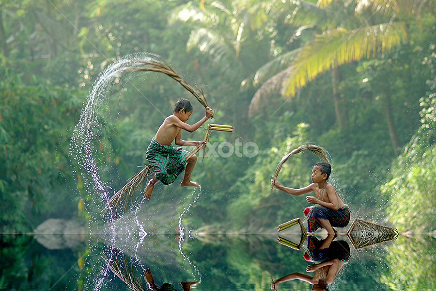 by Saiful El-Shyrazy - Babies & Children Children Candids ( kids playing in summer )
