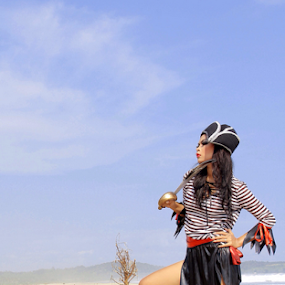 Bajak Laut by PriAs KHocaiy - People Fashion