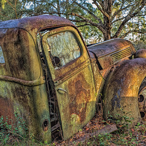 by Mike Moss - Artistic Objects Antiques ( old cars,  )