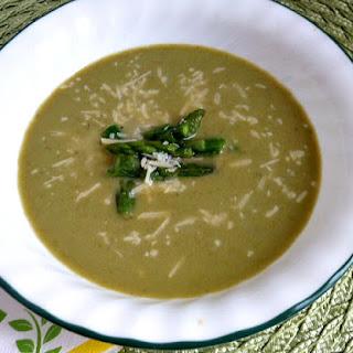 Fresh Asparagus Soup for #asparaguslove