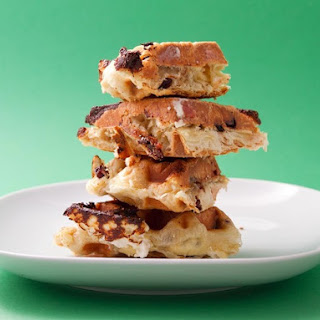 Cinnamon-Raisin Puff-Pastry Waffle