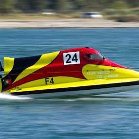 Powerboating F4 by Vasco Morais - Sports & Fitness Motorsports