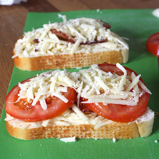Garlic-Rubbed Grilled Cheese with Bacon and Tomatoes