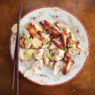 Jiyou Jun Chao Ji (Chicken Stir-Fry with Chanterelles) Recipe