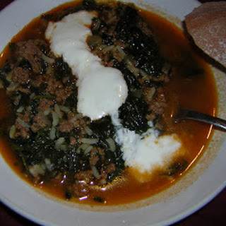 Kiymali Ispanak ve Sarimsakli Yogurt - Spinach and ground beef with Garlic Yogurt