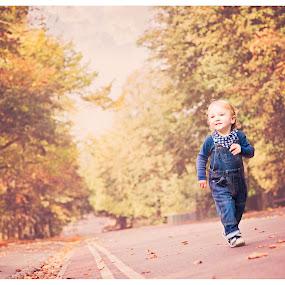 Runner by Szymon Stasiak - Babies & Children Child Portraits ( color, outdoor, children, boy, portrait )