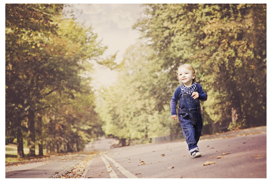Runner by Szymon Stasiak - Babies & Children Child Portraits ( color, outdoor, children, boy, portrait )