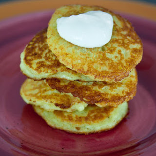 Deruny - Ukrainian Potato Pancakes (Деруни).