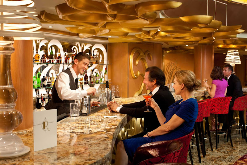 Pop into the R Bar aboard Grandeur of the Seas for a drink or lively conversation while soaking up its chic 1960s atmosphere.