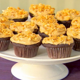 Chocolate Cupcakes and Peanut Butter Icing