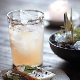 White Nixon Cocktails.