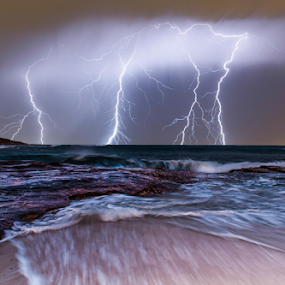 Kalbarri Strikes by Steve Brooks - Landscapes Waterscapes