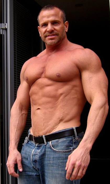 Hairy Muscle Men Galleries 26