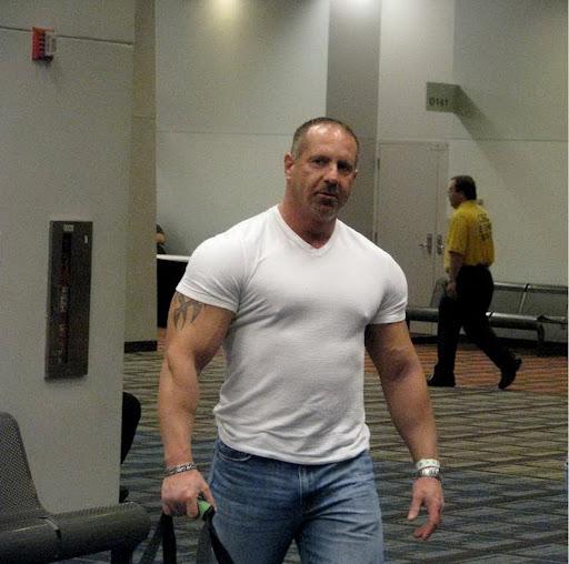 Gay Muscular Gallery 5