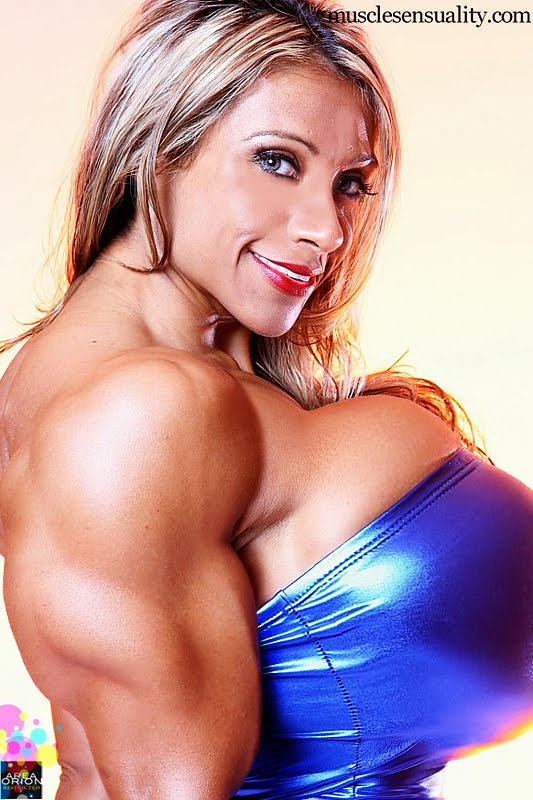 female bodybuilder morphs