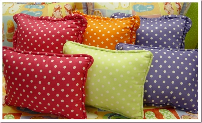 jumbodot_pillows