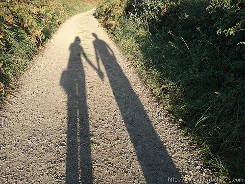 [holding hands[5].jpg]