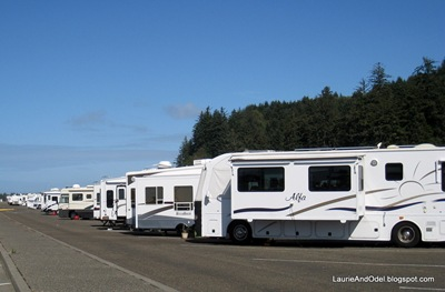 Drycamping at Salmon Harbor, pullthrough sites.