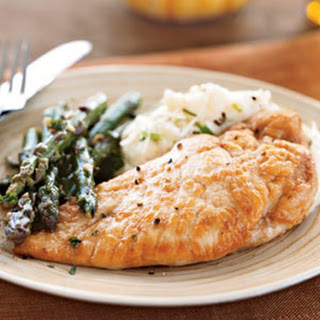 Chicken and Asparagus in White Wine Sauce.