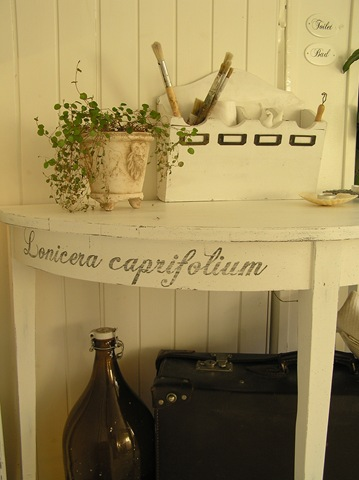 [Halvmånebord Caprifolium[5].jpg]