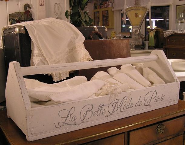 [La Belle Mode de Paris[4].jpg]