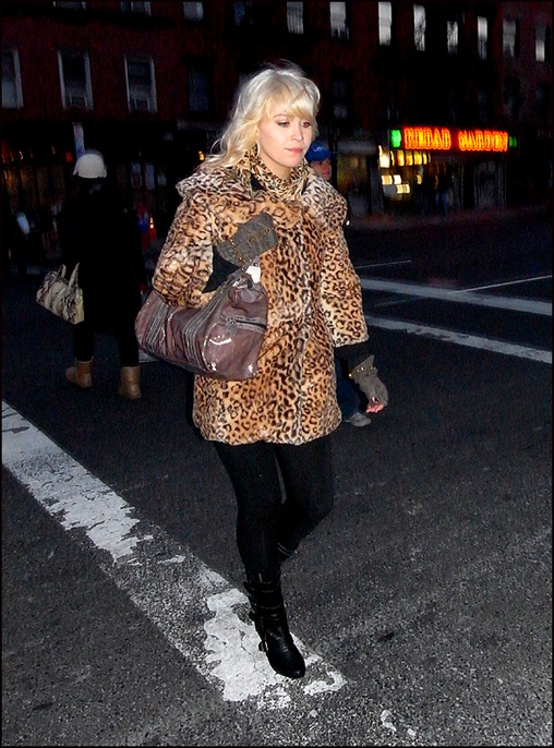 w leopard coat fingerless gloves