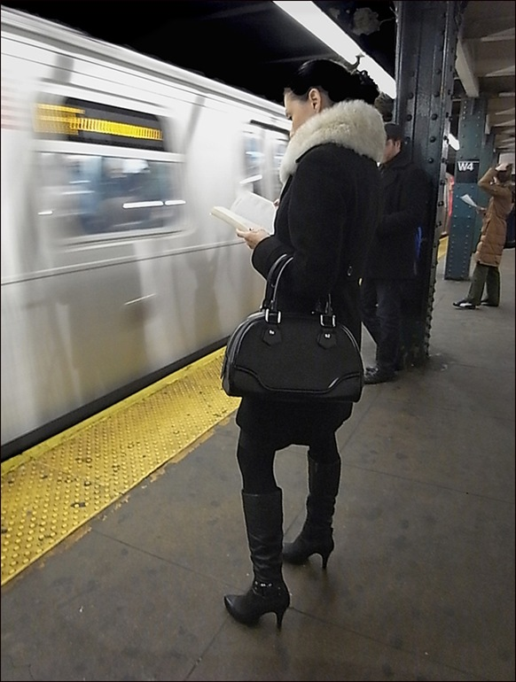w all black white fur collar subway