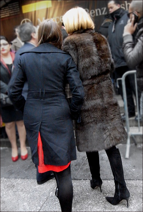 Anna Wintour back fur black boots