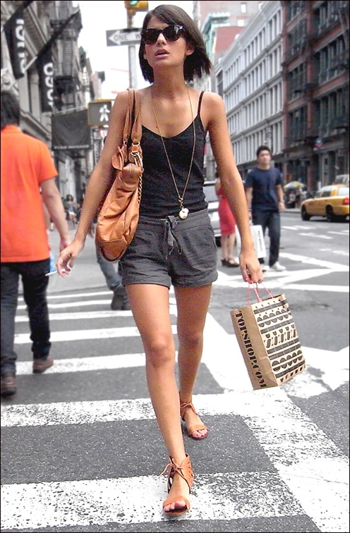 w black tank top grey shorts topshop bag