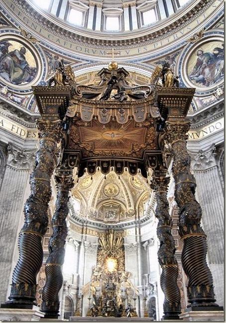Altar com Pálio, Colunas de Bernini, Basílica de São Pedro, Vaticano, Roma