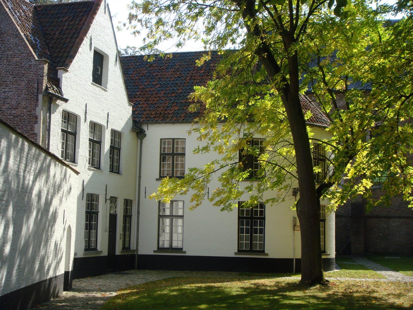 Beguinaje, Convento Medieval, Brujas, Elisa N, Blog de Viajes, Lifestyle, Travel