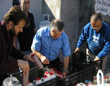 Distributing food in Ciudad Victoria, Tamaulipas, Mexico