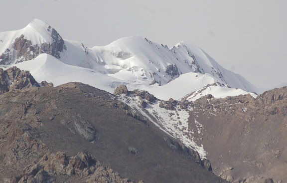 Koksaal Alatau ; sommet à 4800 m, 12 juillet 2006. Photo : J.-M. Gayman