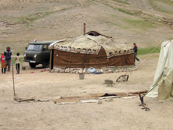 Yourte à l'entrée de la vallée de Chakabaï, 4650 m, Pamir, Tadjikistan, 21 juillet 2007. Photo : F. Michel