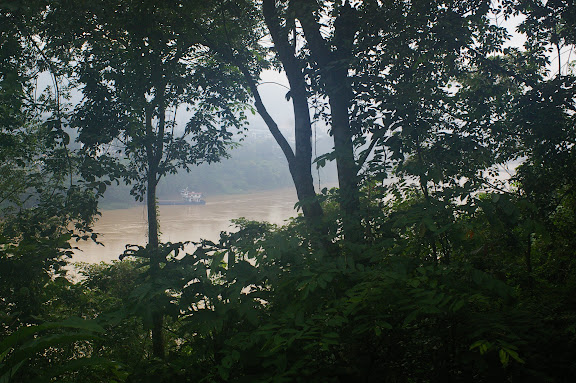 Le Mékong (Lancang Jiang) en amont de Jinghong (Xichuangbanna, Yunnan), 30 août 2010. Photo : J.-M. Gayman