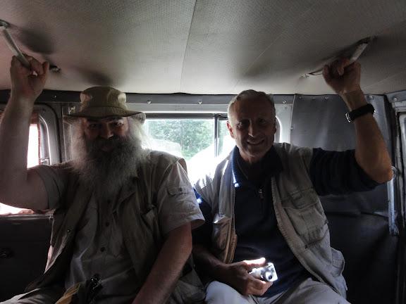 Bernard et Athanase, en route pour Ak-Tru, 9 juillet 2010.
