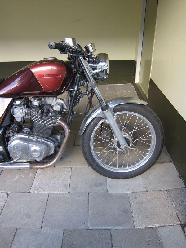 BUBBLE VISOR   Custom paint motorcycle, Brat motorcycle