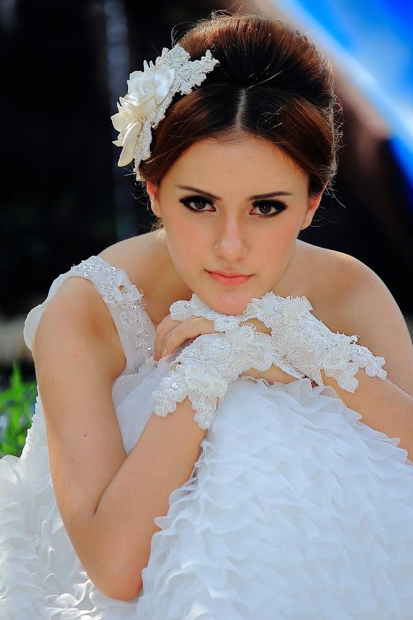 Beautifful by Akhmad Solihin - People Fashion