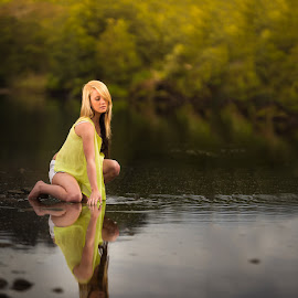 Reflections by IDG Photography - People Portraits of Women ( best female portraiture )
