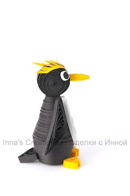 Macaroni penguin (3D quilling). Side view