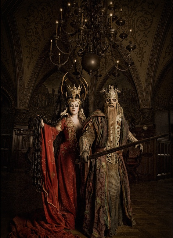 king-and-queen-Gothic-fashion-photography