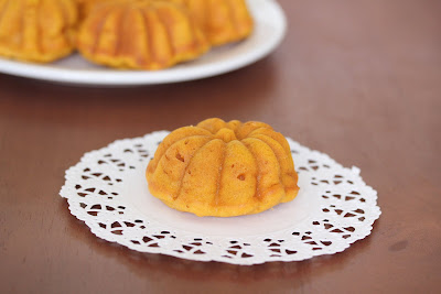photo of one pumpkin mochi cake