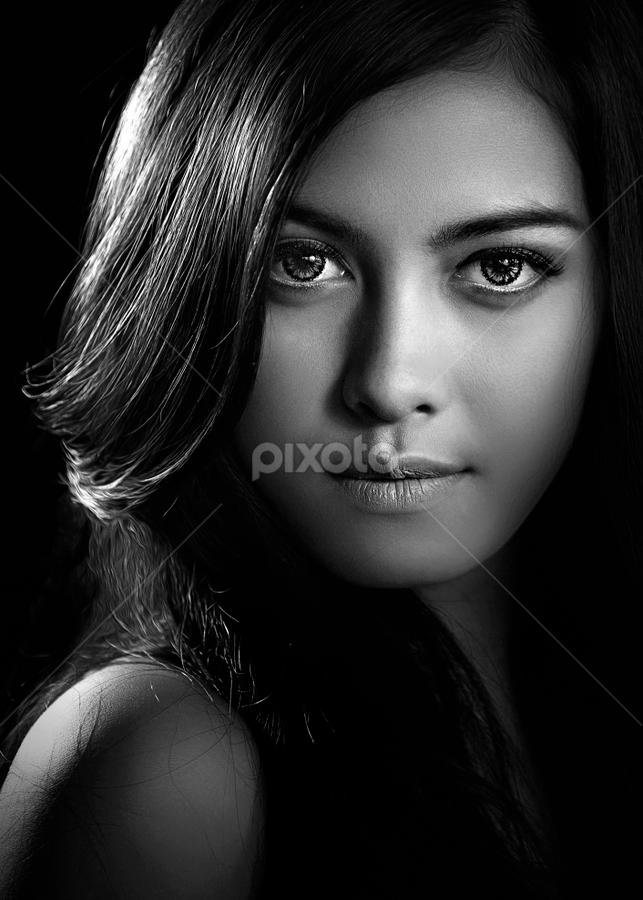 the Beauty by Ivan Lee - People Portraits of Women ( canon, model, girl, bw, beauty, woman, b&w, portrait, person,  )