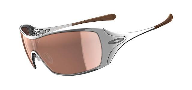 fcdda1d75e8f9 Óculos Oakley Dart – Um sucesso entre as mulheres   ÓCULOS OAKLEY