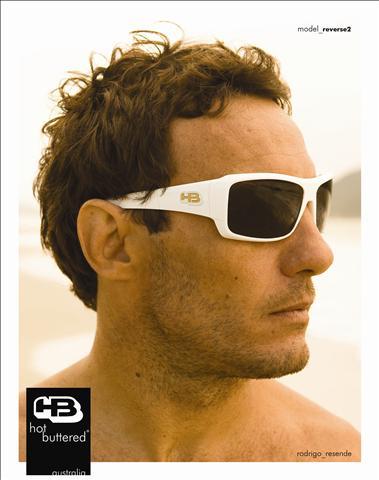 3cad897528648 Óculos Hot Buttered – Informações preciosas Há um bom tempo atrás a HB era  uma das grifes mais lembradas ao pensar em óculos de sol.