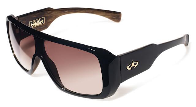 33dfb18dd65c7 Evoke  Por que óculos de sol Evoke  Evoke vem do verbo evocar, assim também  indica o logo da marca! É como se evocasse algo para si mesmo!